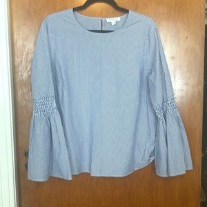 Beachlunchlounge bell-sleeve top